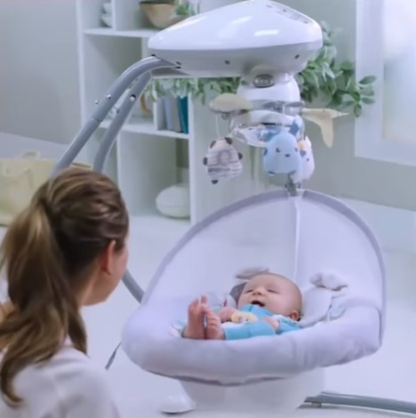 Benefits of Using a Baby Swing